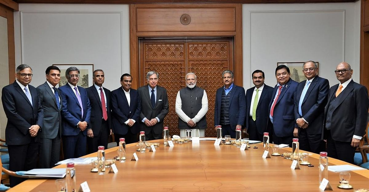 Prime Minister Modi with Indian business leaders. (Source: ANI)