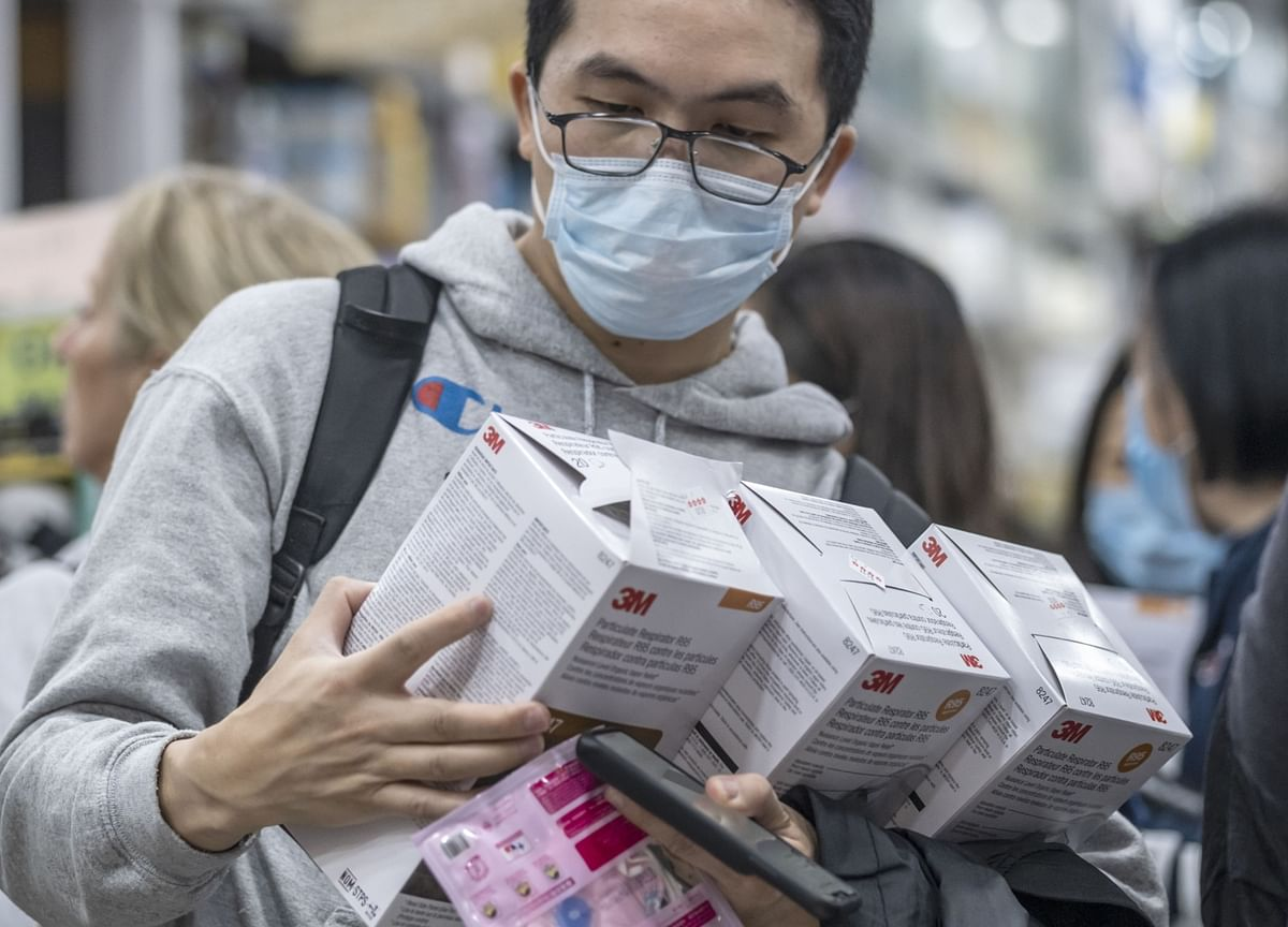 Expat Chinese Workers Scouring Foreign Pharmacies for Masks