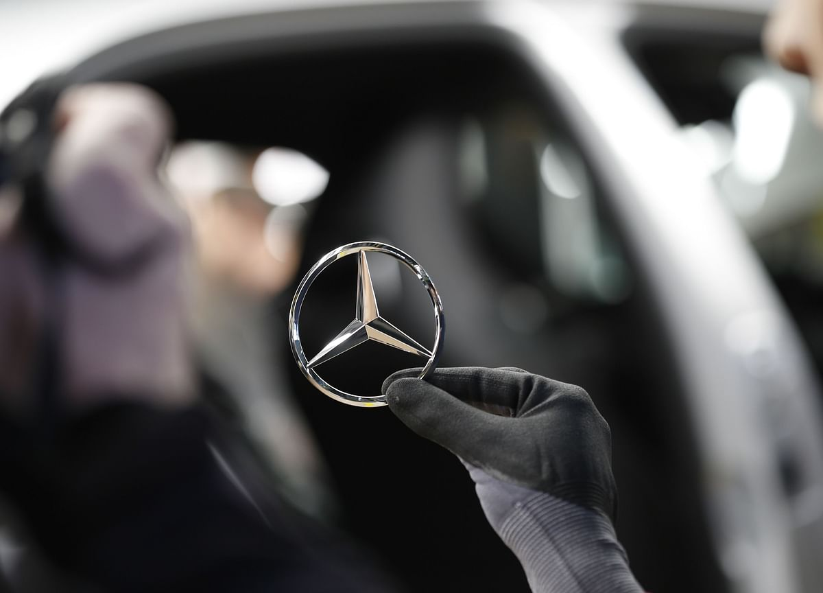 Daimler to Recall Almost 300,000 Cars Because of Fire Hazard