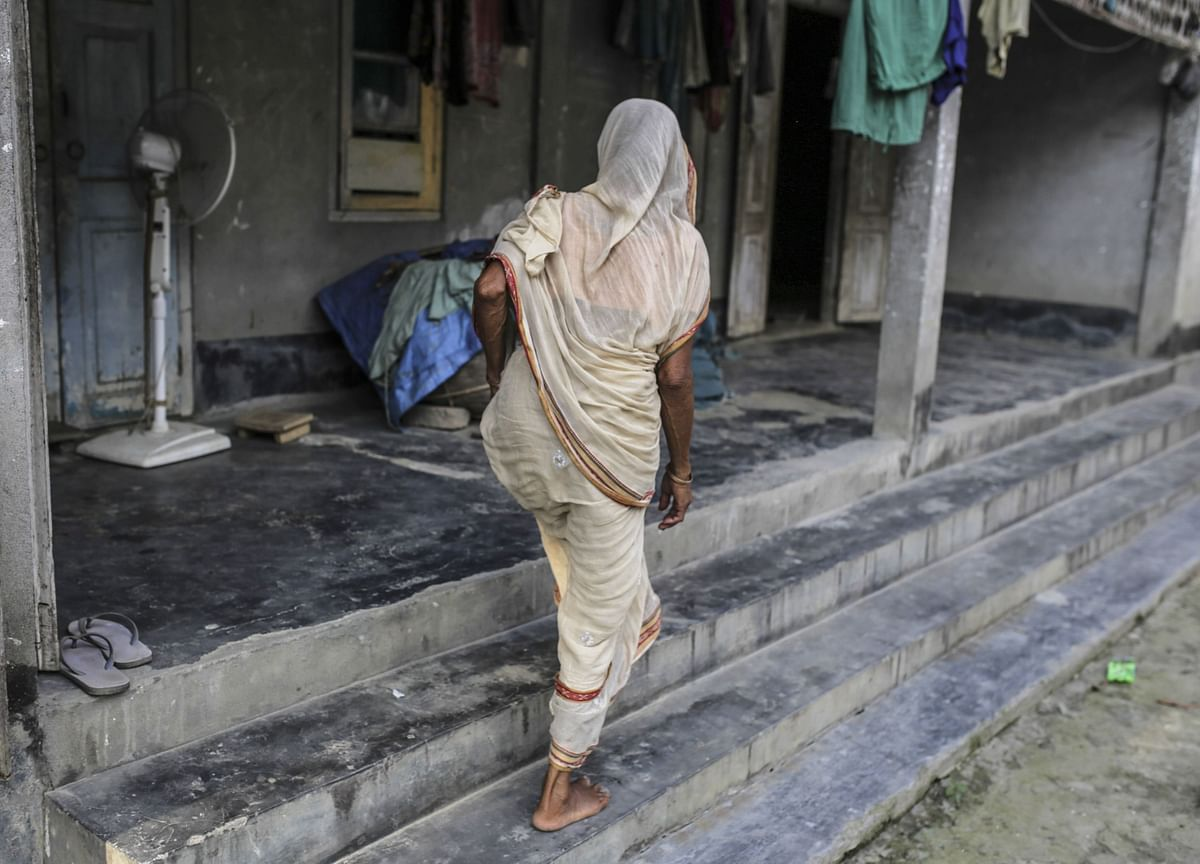 Why Indian Housewives Are Killing Themselves