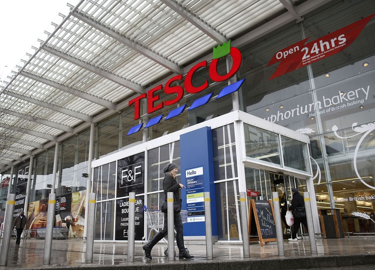 Tesco Asks Thai Tycoons for Next-Round Bids for Asia Unit
