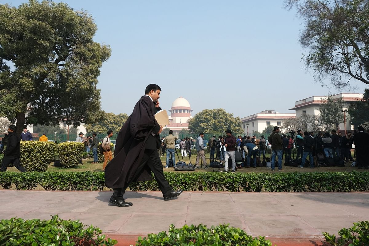 AGR Case: Supreme Court Asks Telecom Operators Why They Shouldn't Be Held In Contempt For Not Paying Dues