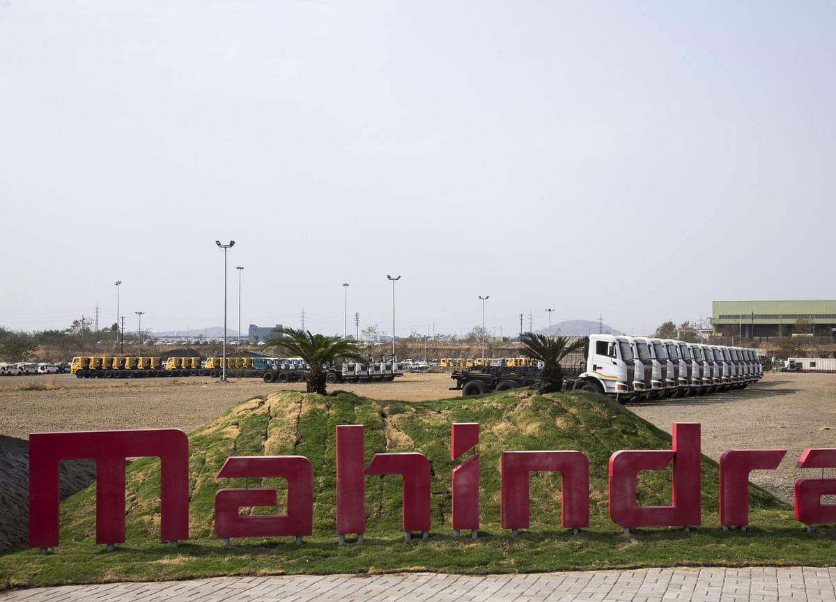 Mahindra Says Coronavirus May Jeopardize India Emissions Rollout
