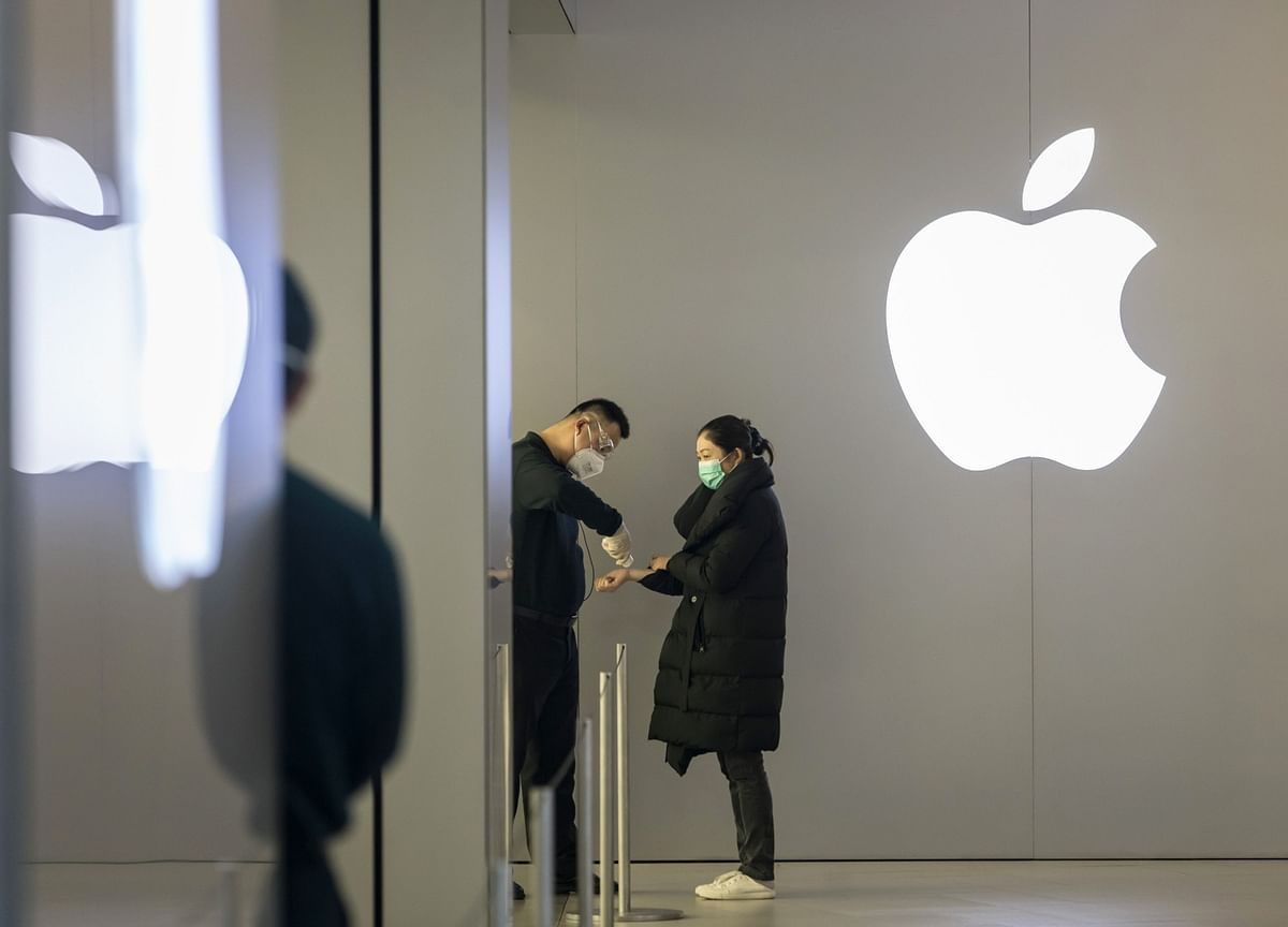 Apple Is Handcuffed to the iPhone. Just Like Its Customers
