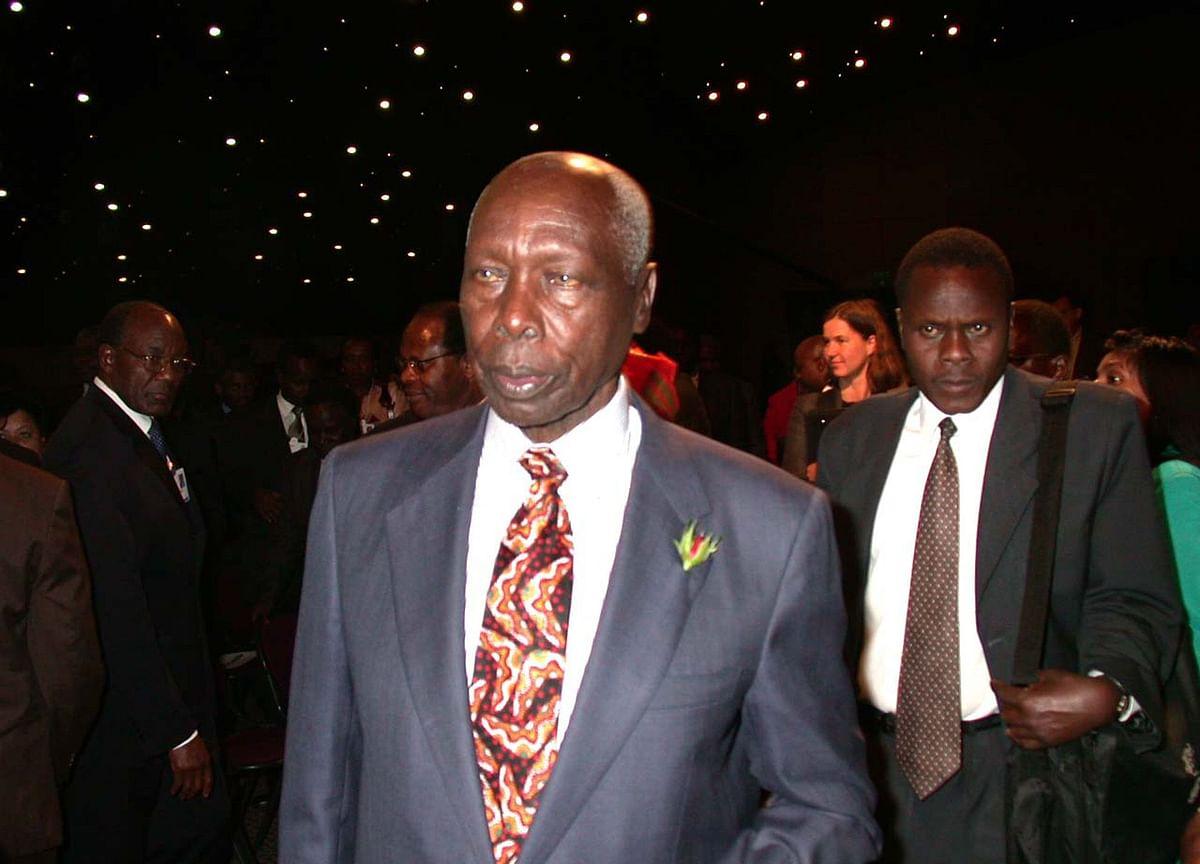 Daniel Arap Moi, Strongman Who Ruled Kenya for 24 Years, Has Died