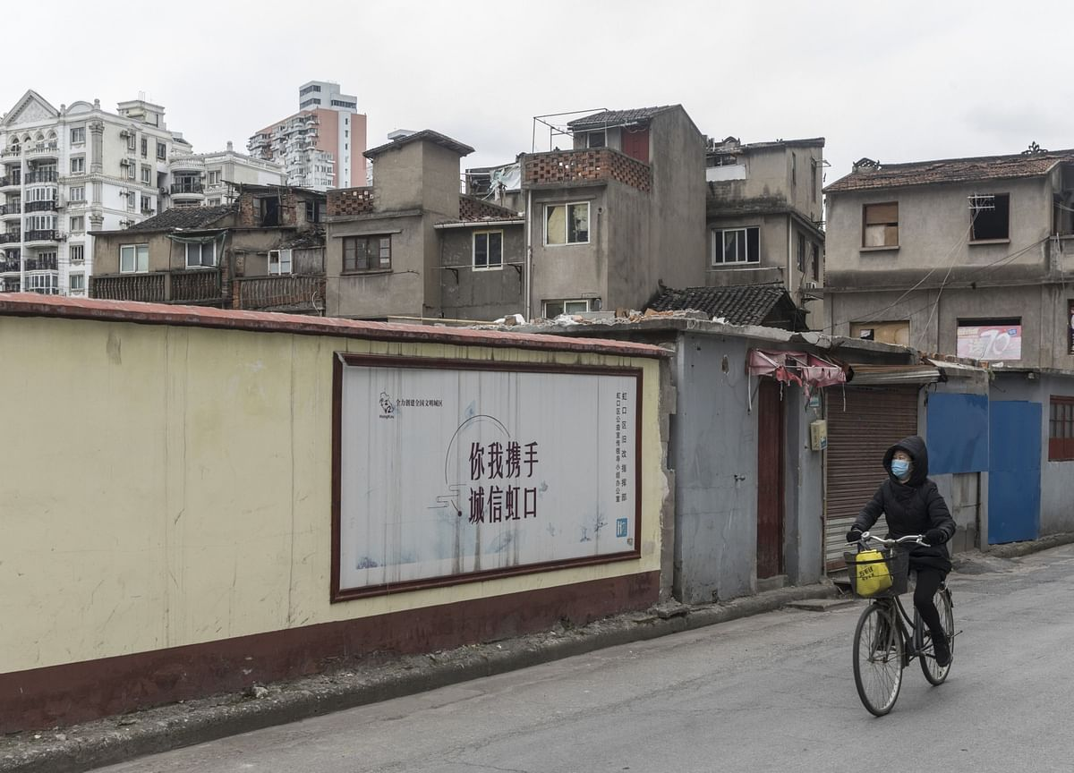 WHO Says Hubei Cases Stabilized; American Dies: Virus Update