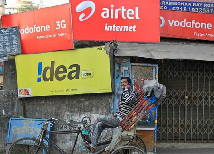 India Considers Offering Loans for Telecoms Owing $13 Billion in Past Dues