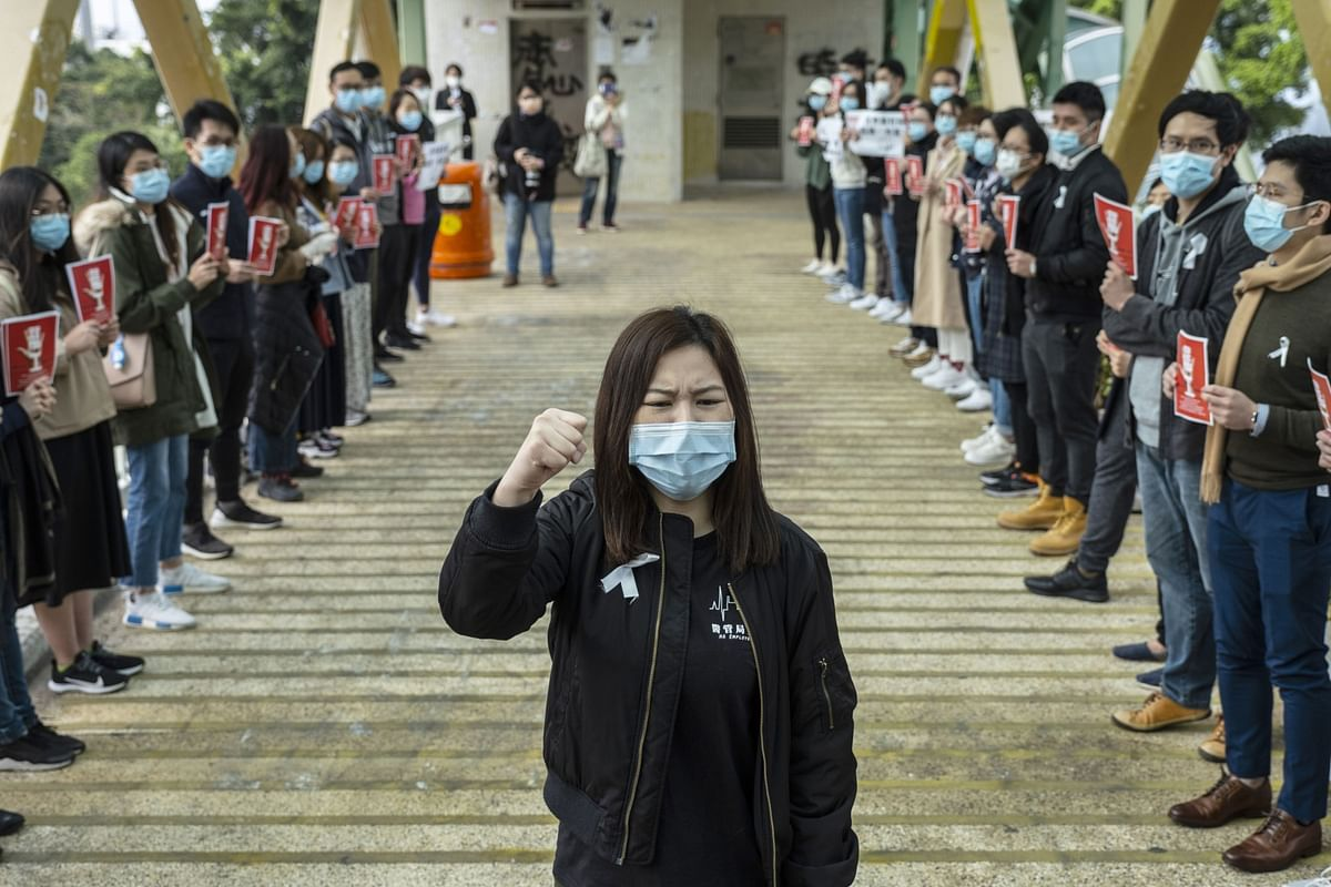 Expat Families Flee Hong Kong After Double Whammy of Virus, Protests