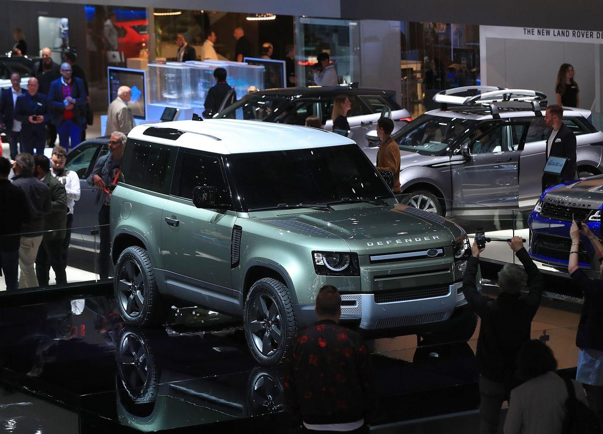Jaguar Land Rover Unsure It'll Recoup China Sales Lost to Virus
