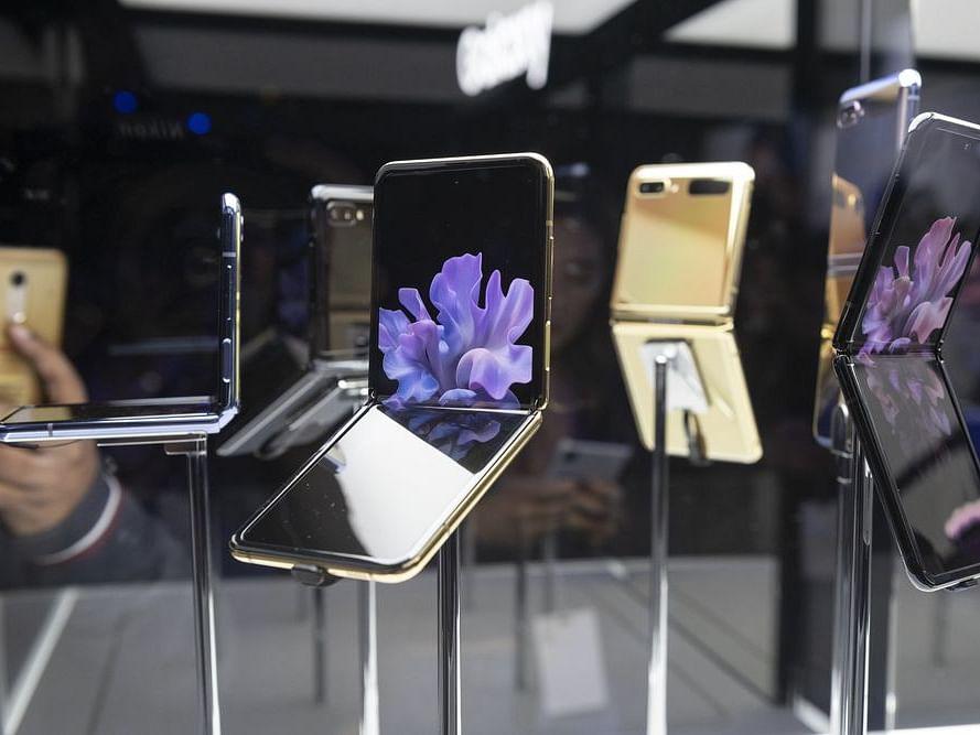 Can Samsung's New Z Flip Convert iPhone Fans?