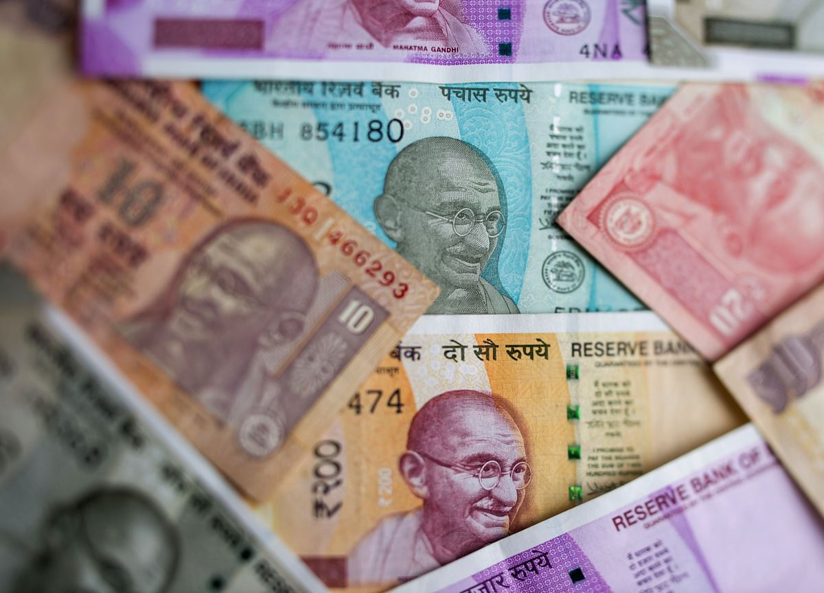 India's $476 Billion Firepower May Arrest Rupee's 'Panic' Drop