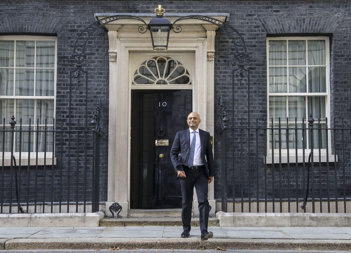Boris Johnson Ambushed His Chancellor in a Quest for Control