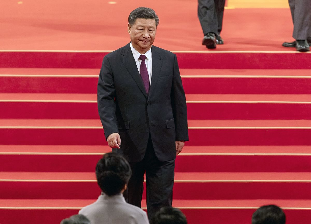 Xi Vows China Will Beat Virus While Economists Slash Forecasts