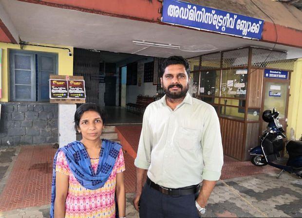 Doctors Nazlin Salam and Asish Mohankumar at the Pathanamthitta General Hospital. (Photography: Shreehari Paliath/IndiaSpend)