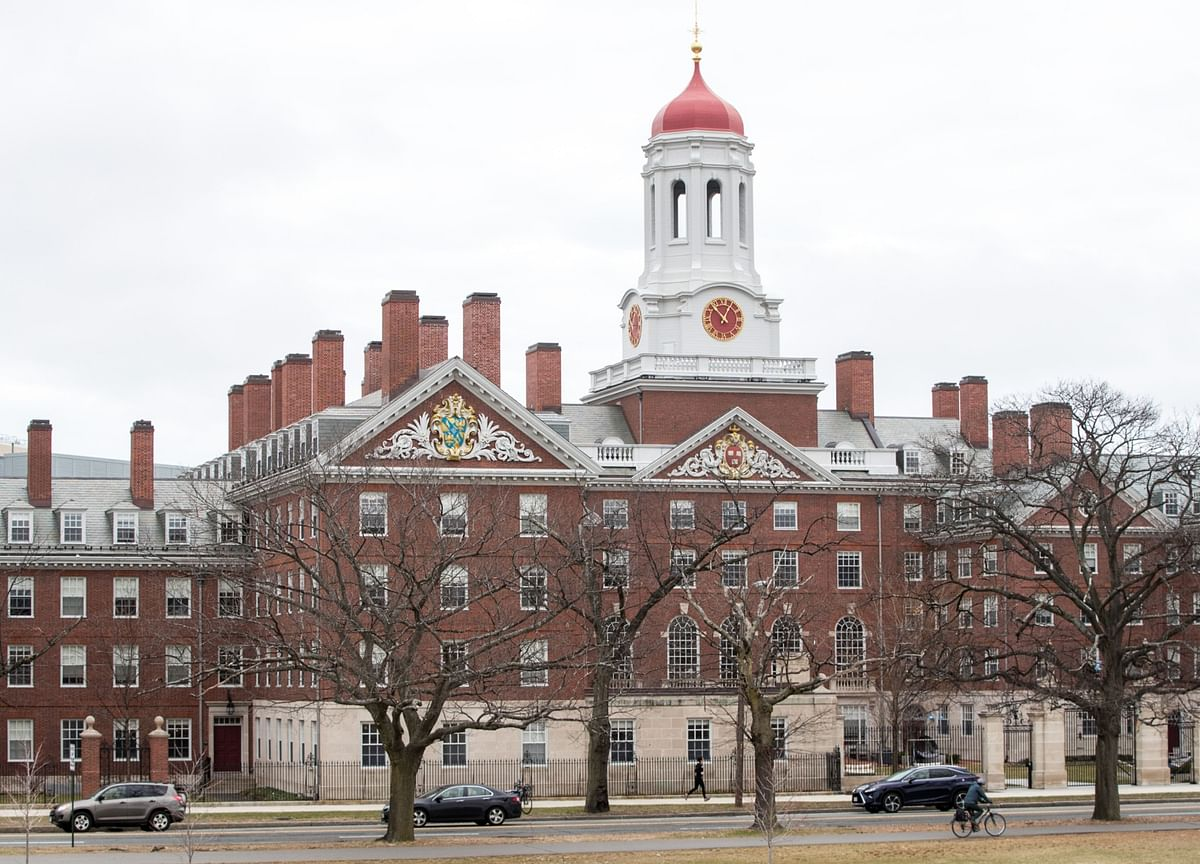 Harvard Forecasts Decline in Revenue, Slowdown in Donations