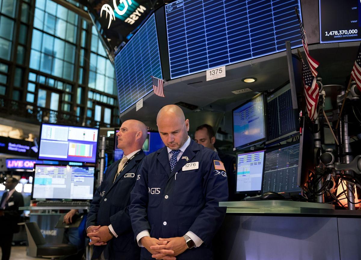 Stocks Decline; Dollar Strengthens Most in 3 Weeks: Markets Wrap