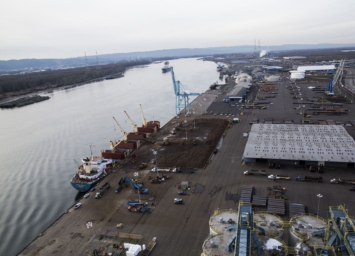 Virus Disruptions May Cause 20% Cargo Decline at U.S. Ports
