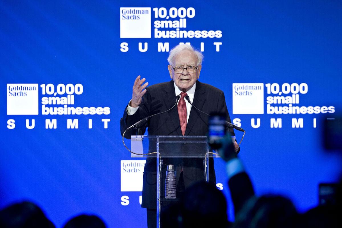 Warren Buffett speaks at a Goldman Sachs event on Feb. 13, 2018. (Photographer: Andrew Harrer/Bloomberg)