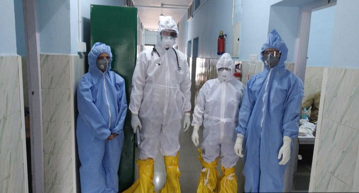 Doctors and staff at the Pathanamthitta General Hospital wearing personal protective equipment. (Photo: Pathanamthitta General Hospital)