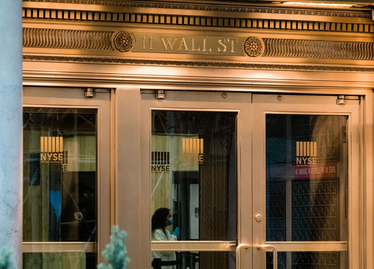 NYSE to Shut Trading Floors Monday After Two Are Infected