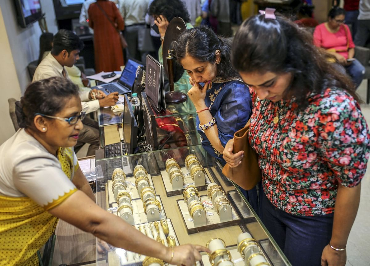 India Braces for Lowest Gold Sales in 25 Years as Virus Hits