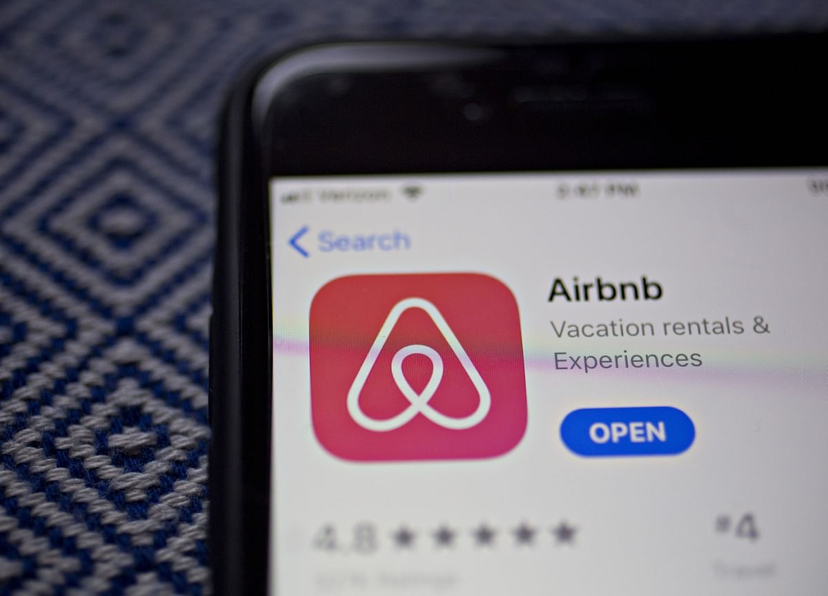 Airbnb's Loss Nearly Doubles in Fourth Quarter, Before Virus