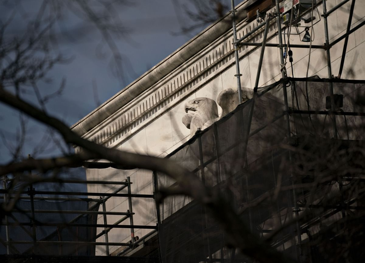 Fed Staff Rip Up Script as Officials Go Dark Ahead of Meeting