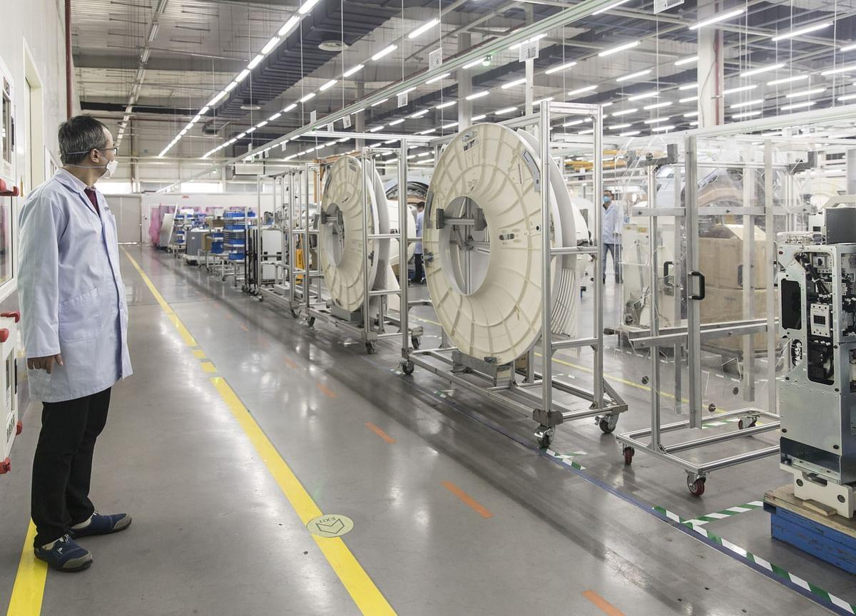 China's Factories Work 24/7 to Build Ventilators for Milan, New York