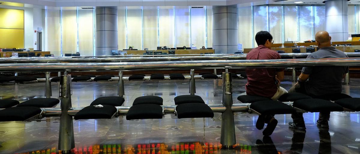 Stocks Lurch Lower; Dollar Steadies After Gains: Markets Wrap