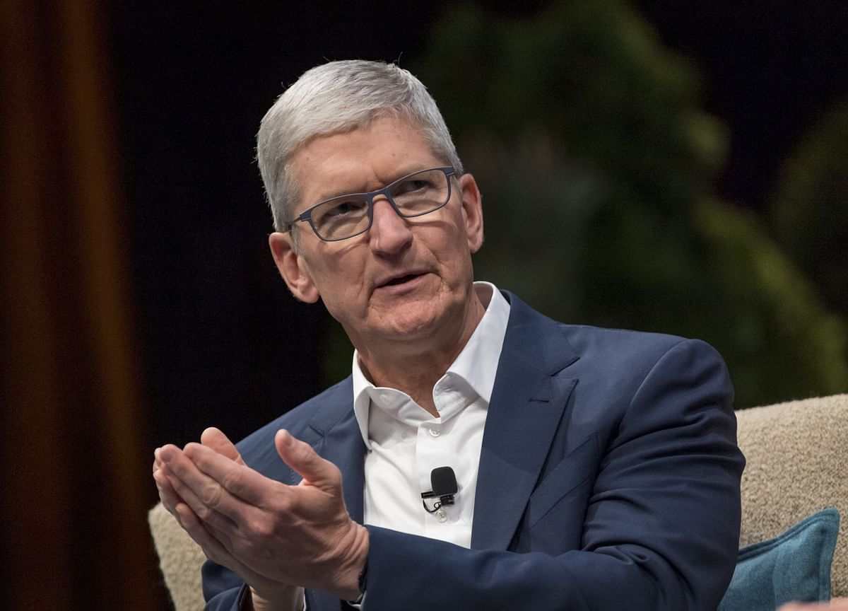 Apple CEO Talks Covid-19 Crisis, Return to Work Plan at Company-Wide Meeting
