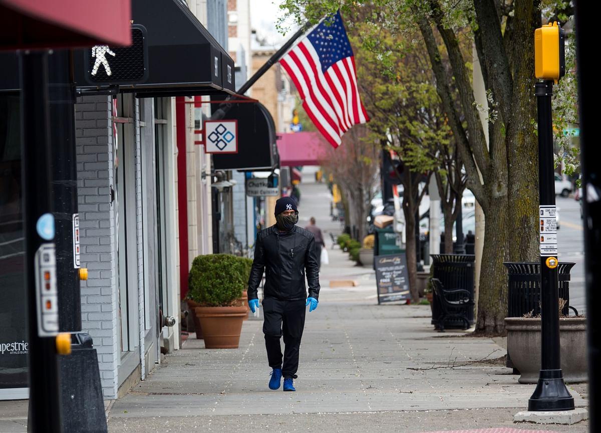 U.S. Consumer Borrowing Falls Most Since 2010 Amid Coronavirus