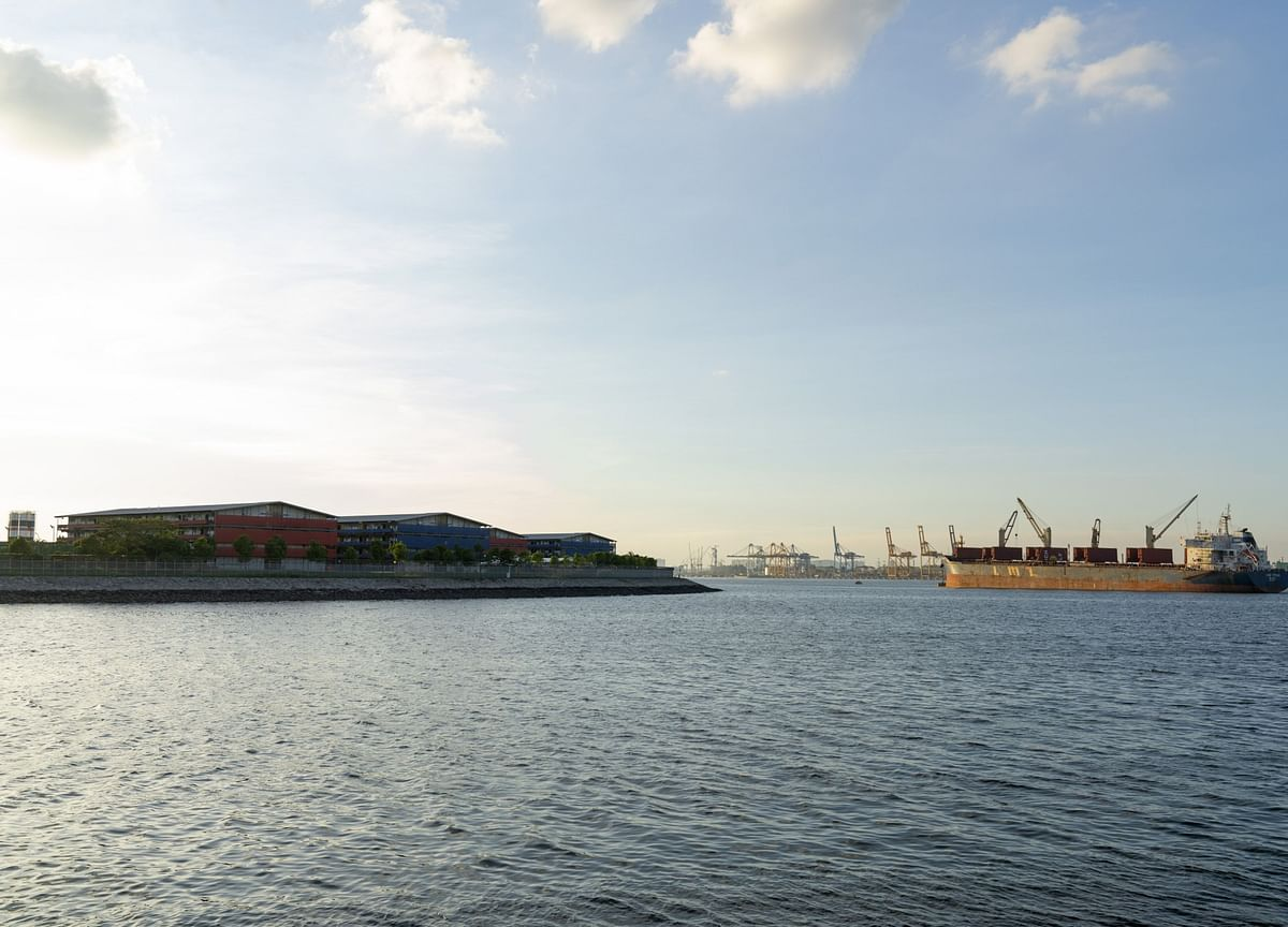 Singapore Coastline Packed With Ships Full of Oil No One Wants