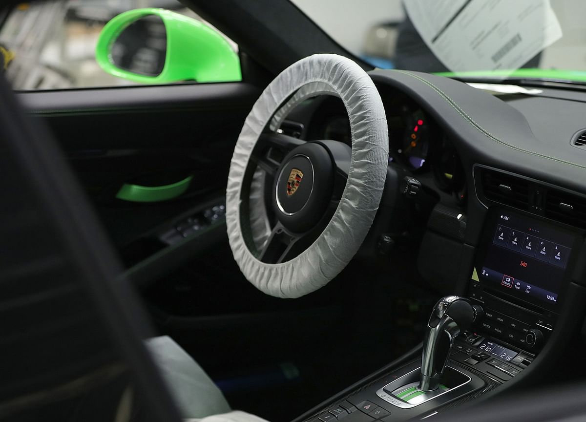 Final Porsche 911 of a Generation to Be Sold for Coronavirus Relief