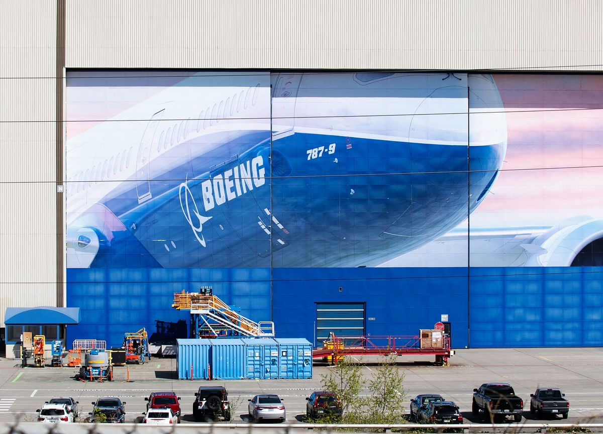 Boeing to Deepen Job Cuts Beyond 10% Plan With New Buyouts