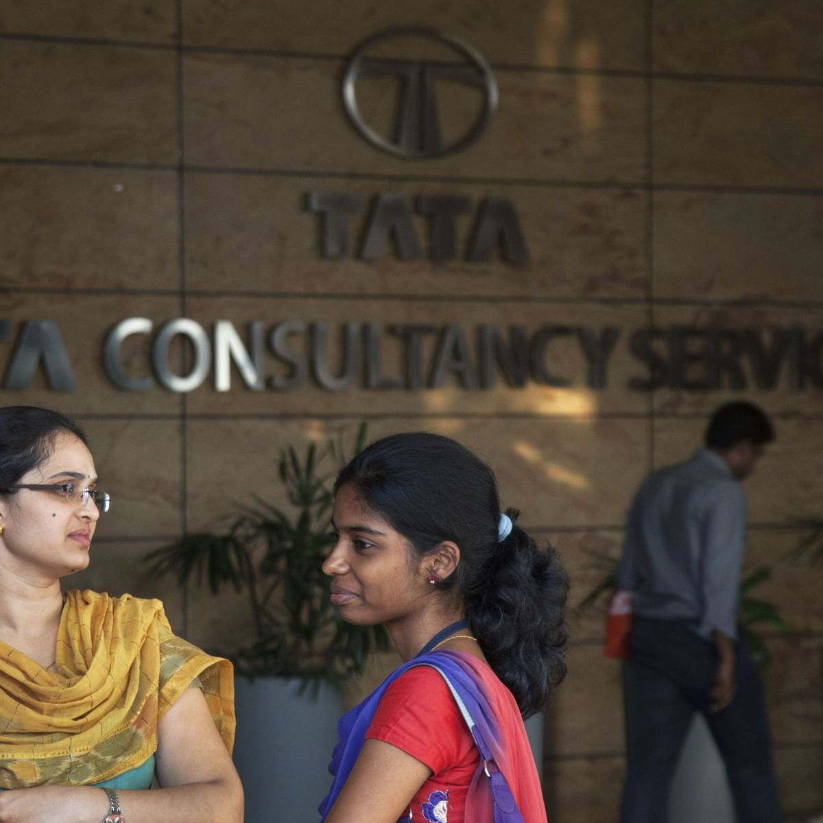 SEBI Lets Off TCS With A Warning For Inadequate Disclosures