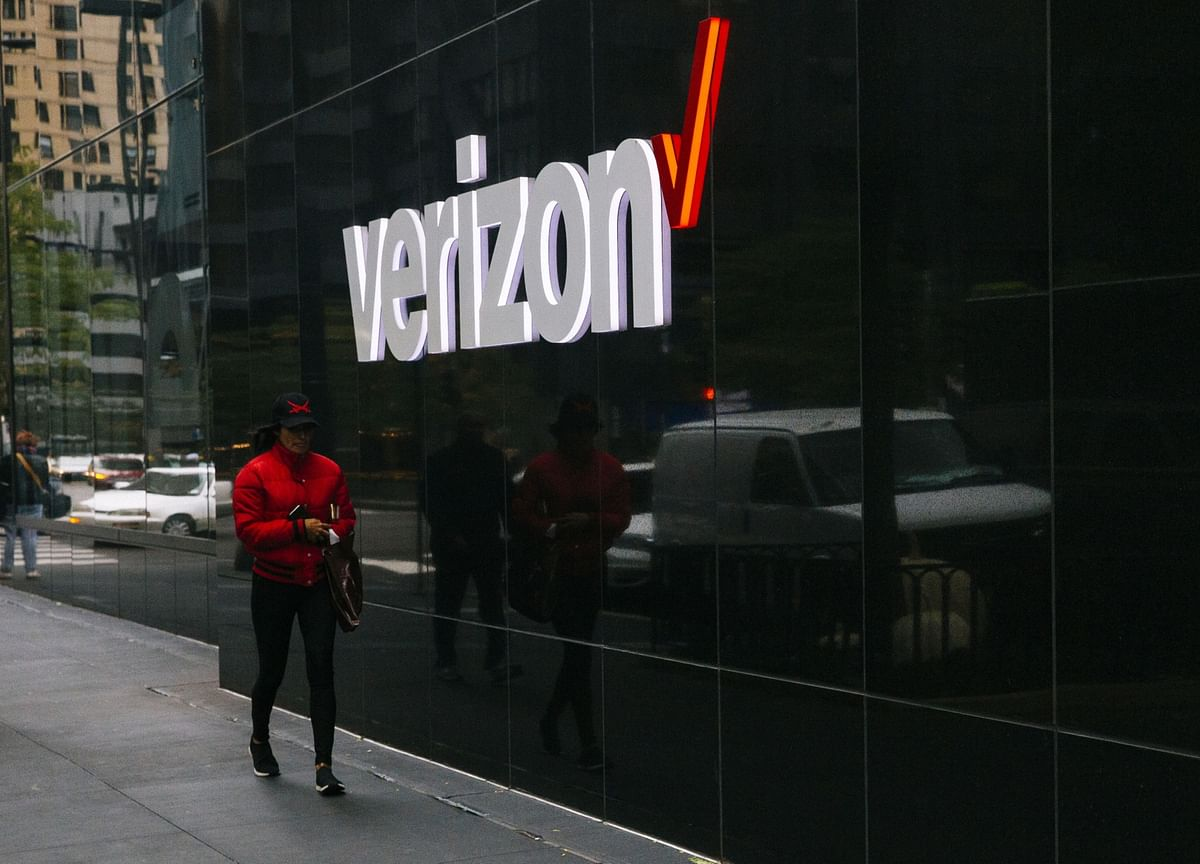 Verizon Buying TracFone Wireless for Up to $6.9 Billion
