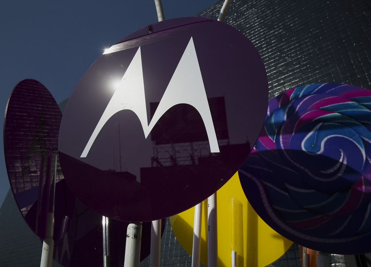 Motorola Launches 5G Phones, Highlighting Missing IPhone Feature