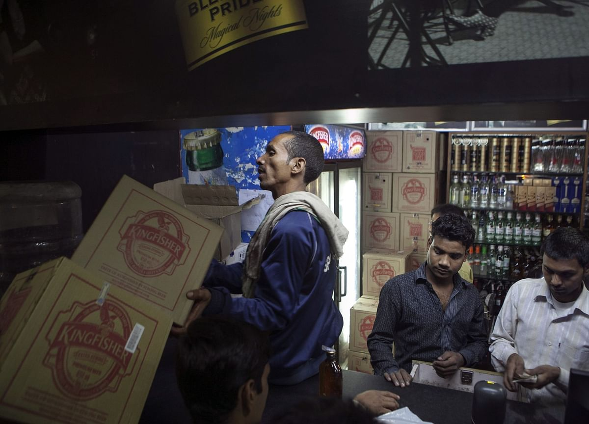 Alcohol Fight Shows India's States Battling Modi for Virus Billions