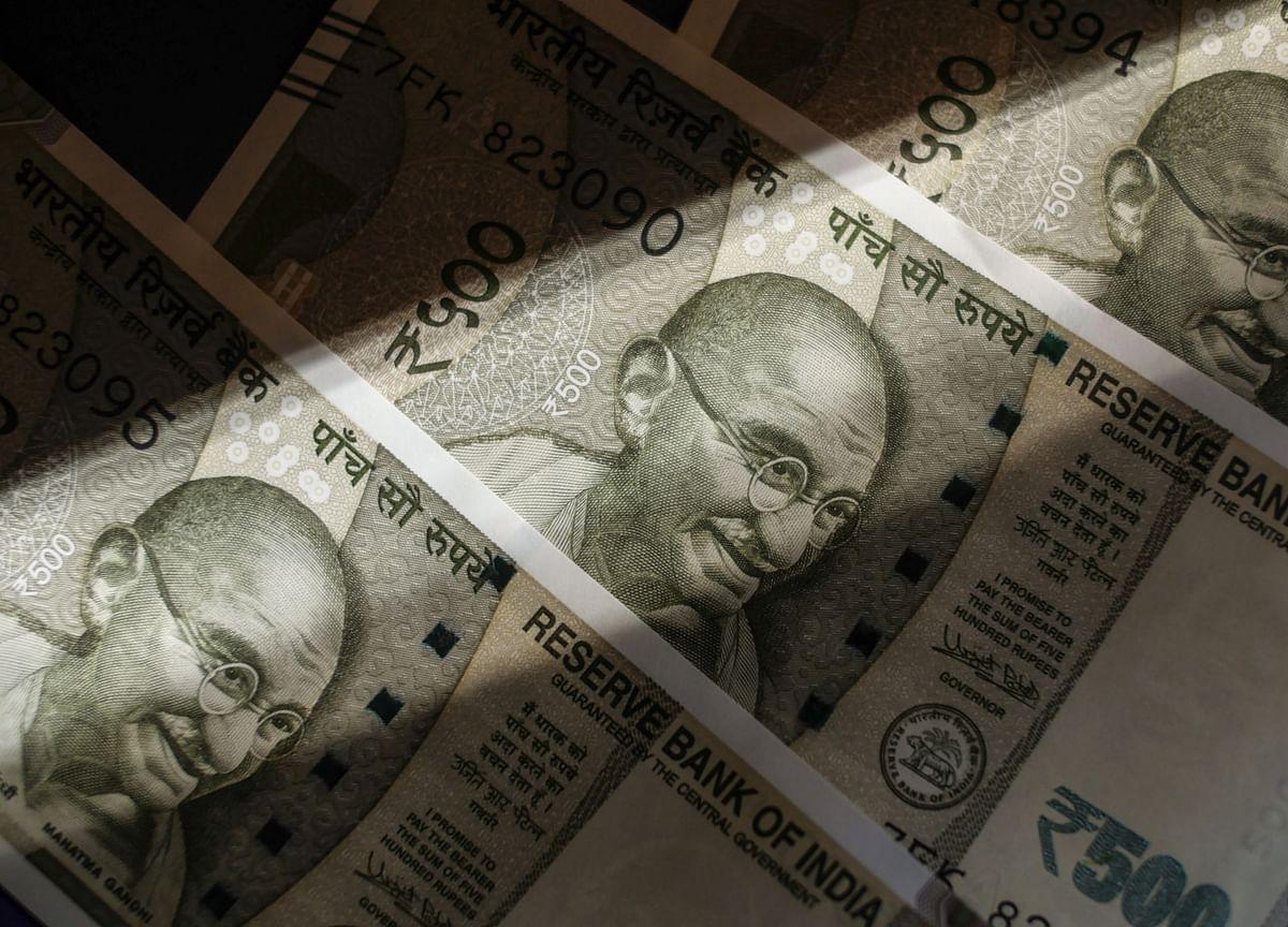 Empty Treasury Desks May Hurt Modi's Plan to Sell Record Bonds