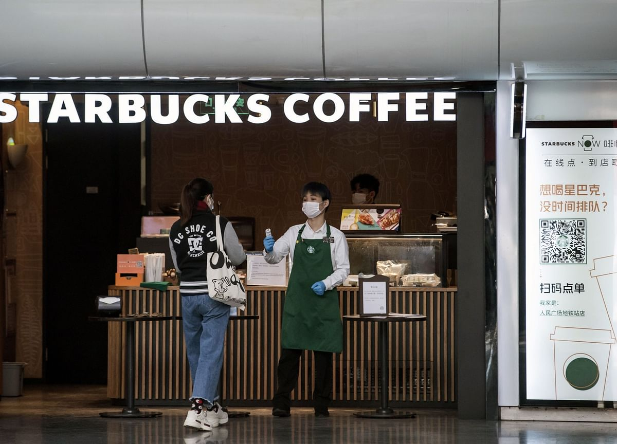 Starbucks Sees Covid-19 Trimming Up to 25% of China 2020 Sales