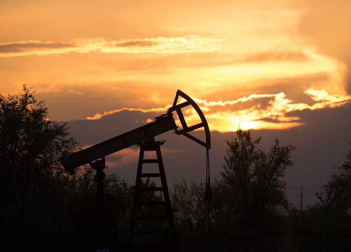 Trump Eyes Global Oil Output Cut of 10 Million Barrels a Day
