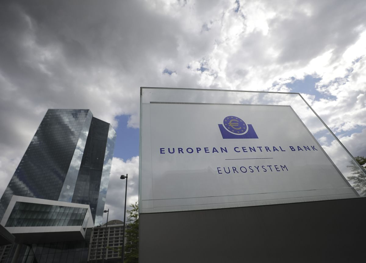 ECB Steps Up Crisis Aid as Lagarde Demands Government Action