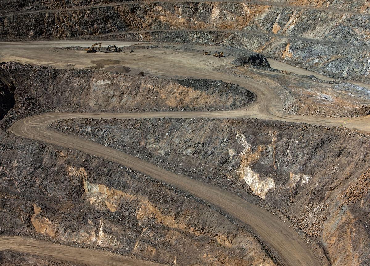 As Oil Crashes, Iron Ore's Still Rocking