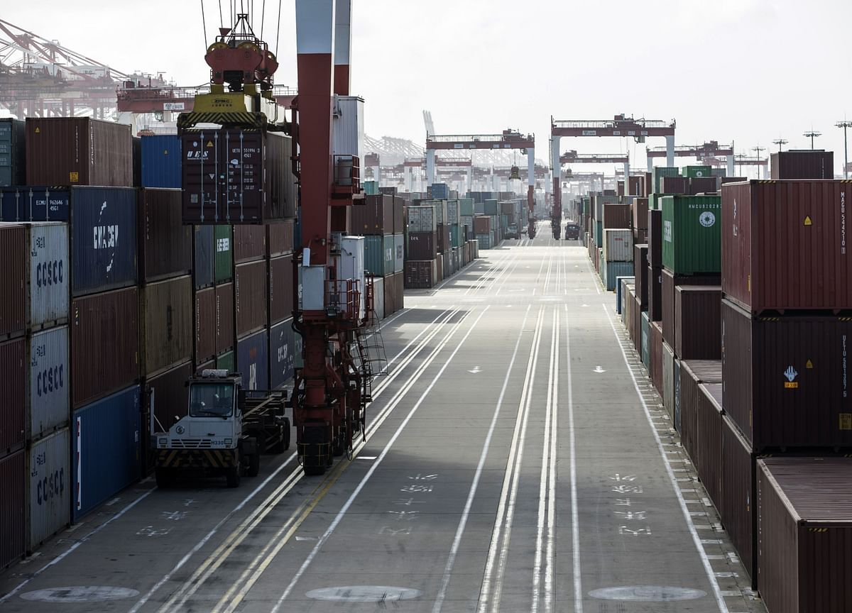 U.S. Delays Some Tariff Payments, Leaves China Levies in Place