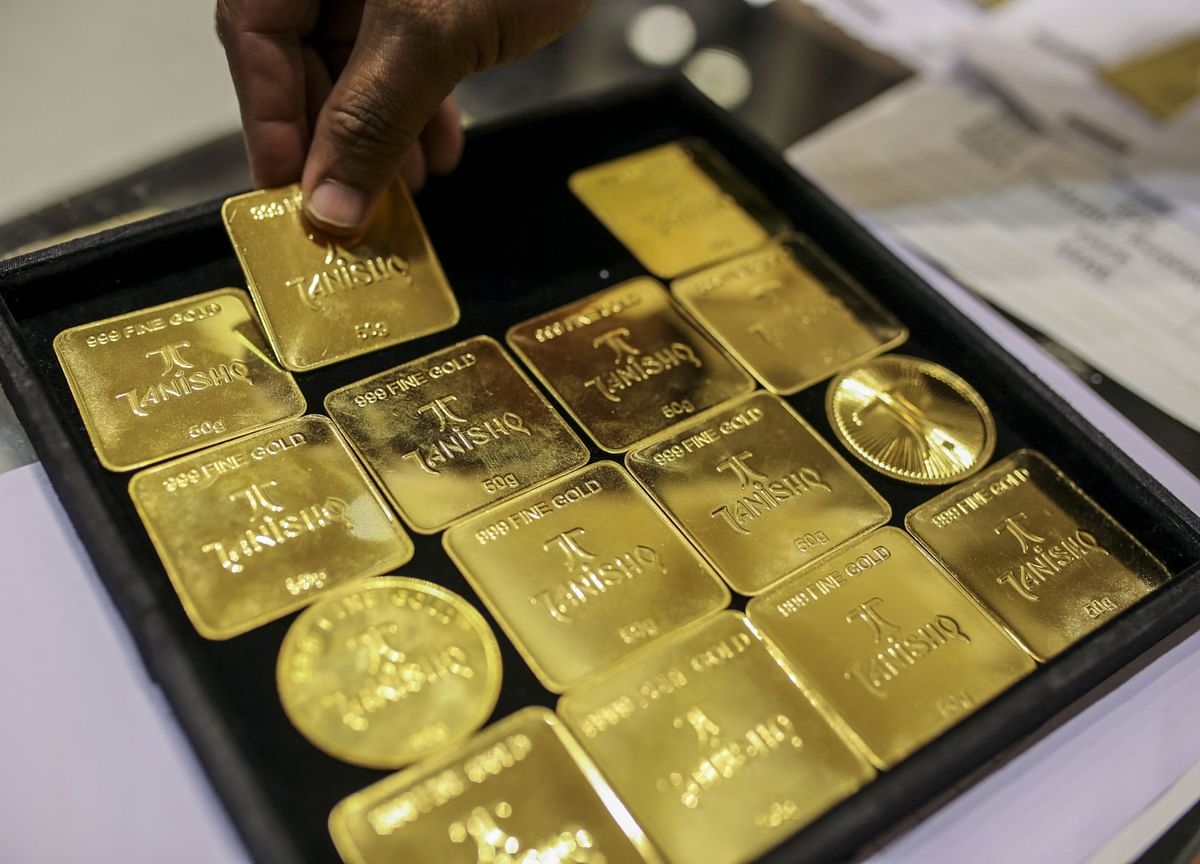 Gold, Silver Jump After Swings Amid Weak Dollar and Economic Woe