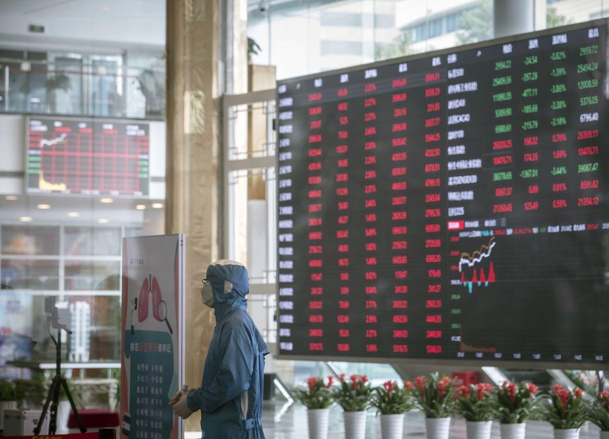 Shanghai Stock Exchange Mulls First Revamp of Benchmark in 30 Years