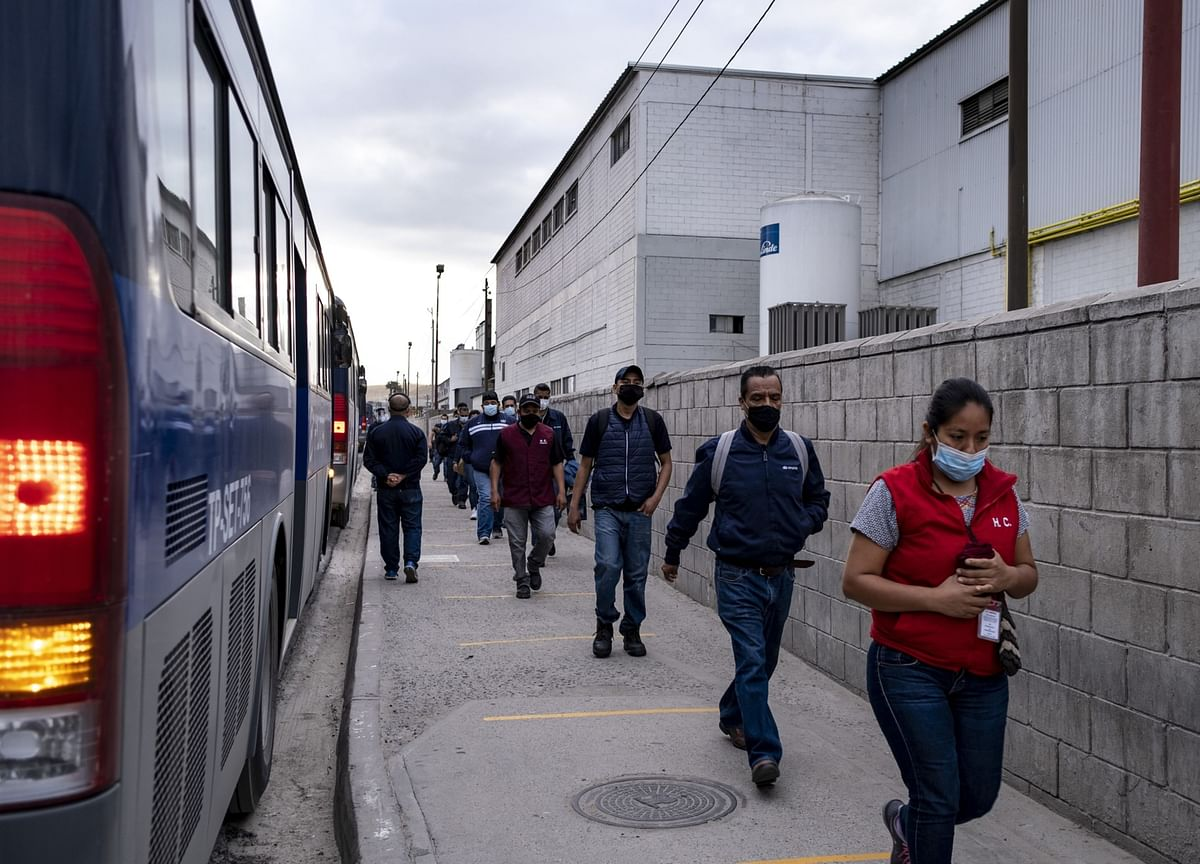 Mexico's Covid-19 Deaths Rise by Record as Economy Restarts