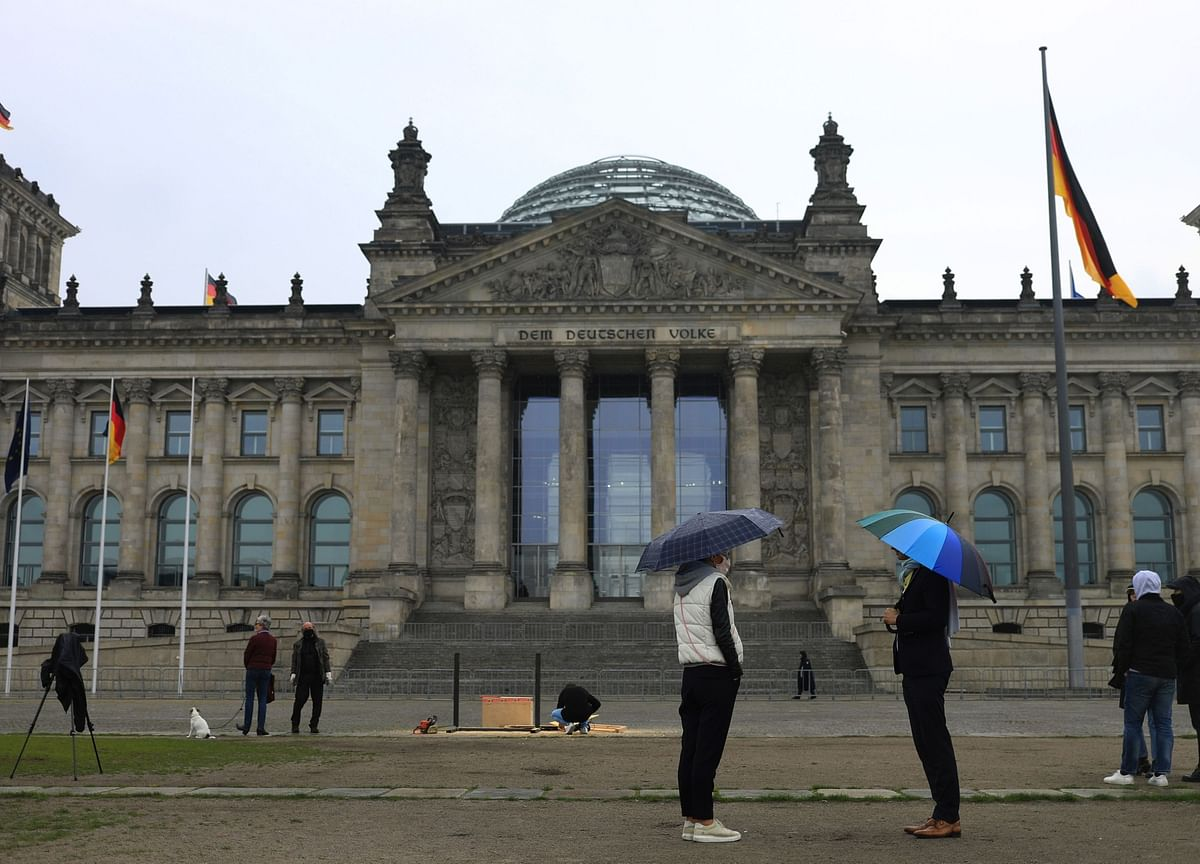 German Slump Eases Slightly as Lockdown Restrictions Relaxed