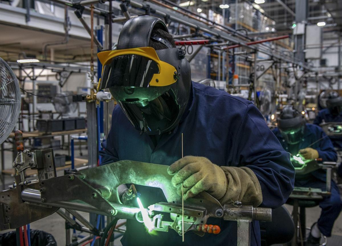 U.K. Factories in Record Slump as Coronavirus Upends Supply Chains