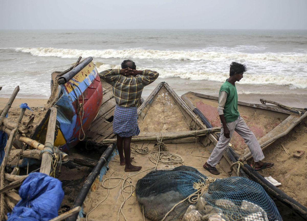 Super Cyclone 'Amphan' Weakens As It Rolls Towards Indian Shores, Lakhs Evacuated
